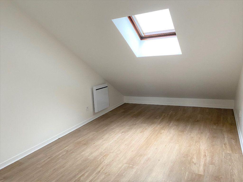 Appartement à louer 2 30.84m2 à Sainte-Geneviève-des-Bois vignette-4