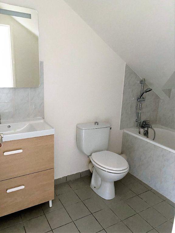 Appartement à louer 2 30.84m2 à Sainte-Geneviève-des-Bois vignette-5