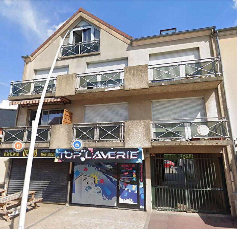 Appartement à louer 2 30.84m2 à Sainte-Geneviève-des-Bois vignette-6