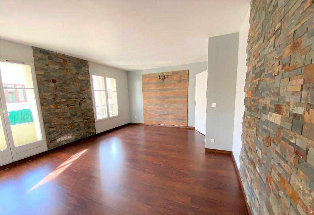 Appartement à louer 2 50.96m2 à Montlhéry vignette-1