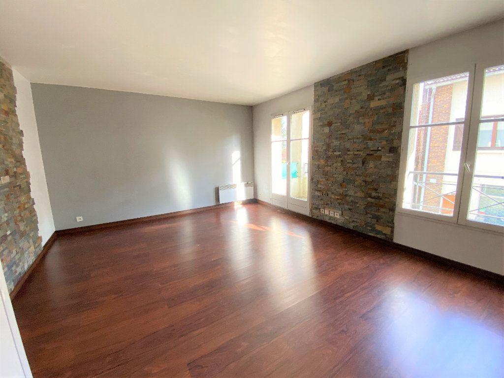 Appartement à louer 2 50.96m2 à Montlhéry vignette-2
