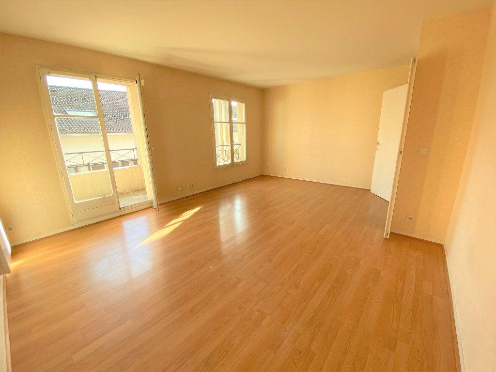 Appartement à louer 2 50.7m2 à Longpont-sur-Orge vignette-1