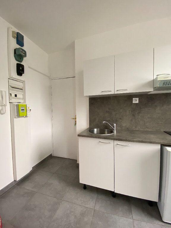 Appartement à louer 2 32m2 à Le Havre vignette-1