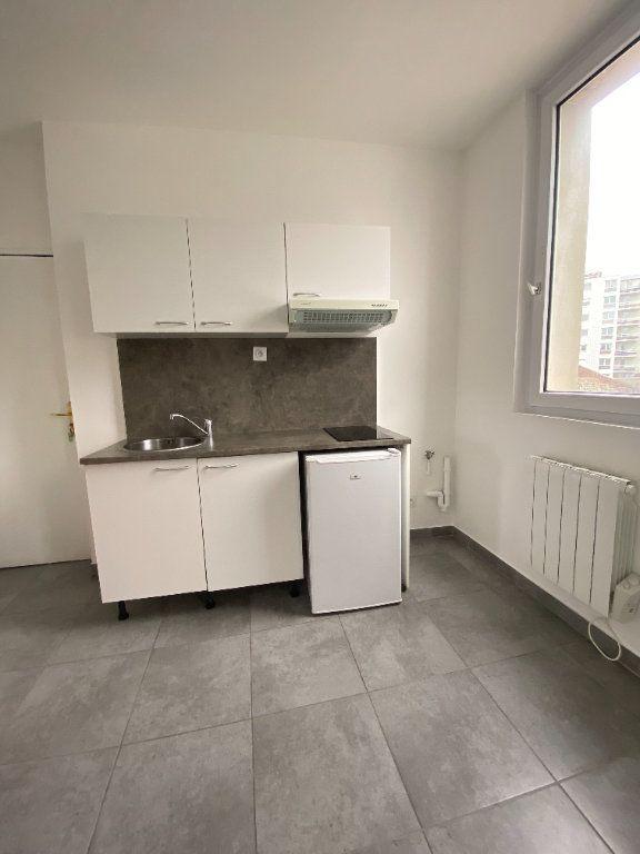 Appartement à louer 2 32m2 à Le Havre vignette-2