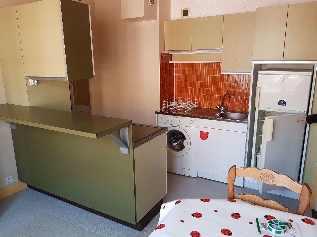 Appartement à louer 1 33.76m2 à Le Havre vignette-2