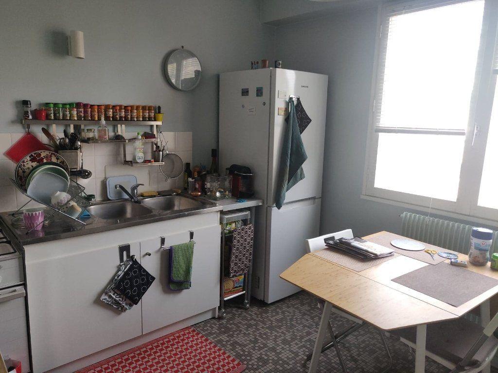 Appartement à louer 2 51m2 à Le Havre vignette-3