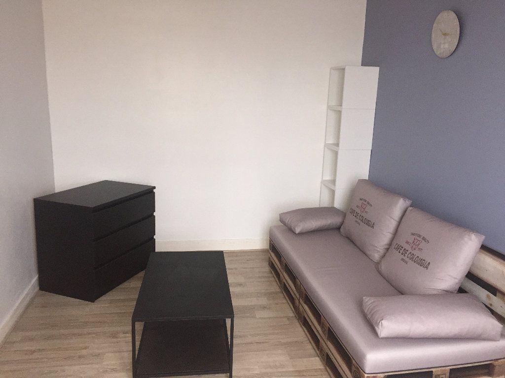 Appartement à louer 2 32.16m2 à Le Havre vignette-1
