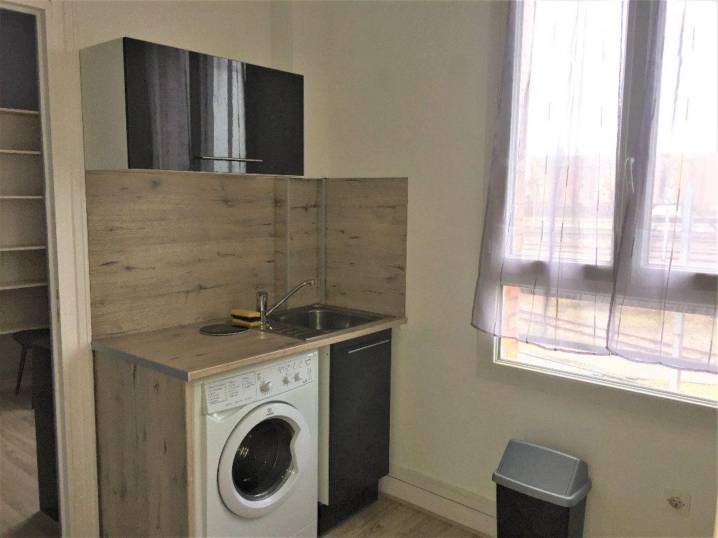 Appartement à louer 2 32.16m2 à Le Havre vignette-3