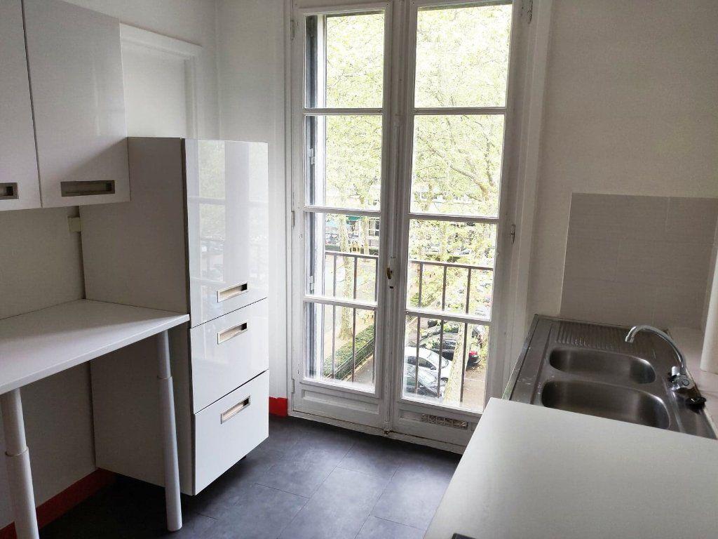 Appartement à louer 2 47.6m2 à Le Havre vignette-2