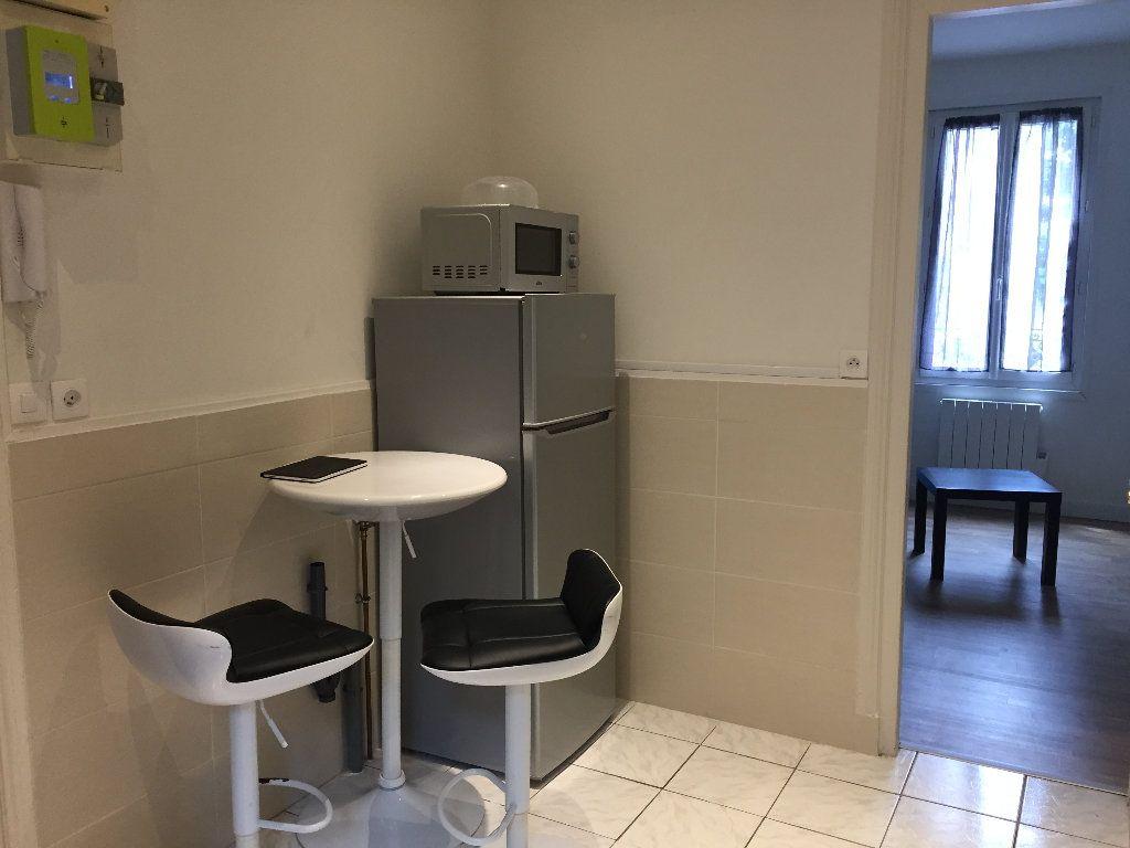 Appartement à louer 1 20.13m2 à Le Havre vignette-2