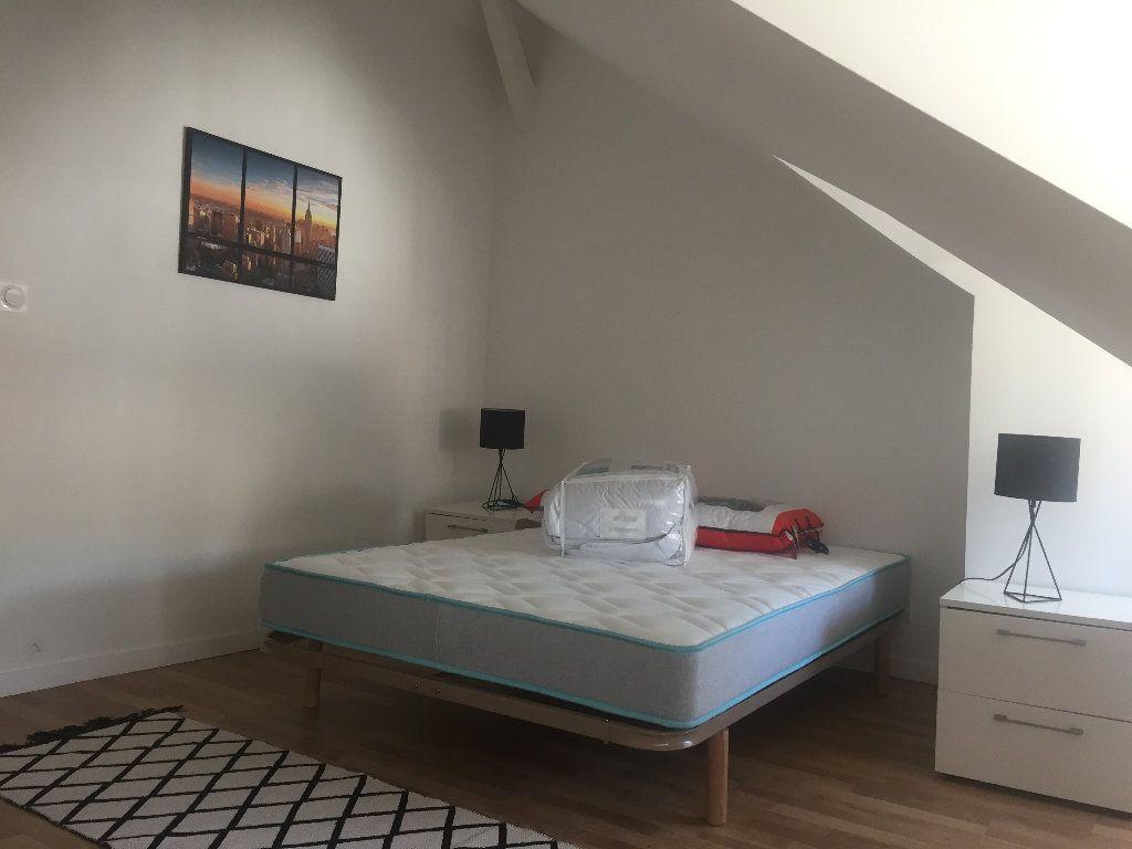 Appartement à louer 2 38m2 à Lillebonne vignette-3