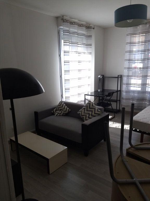 Appartement à louer 1 24.8m2 à Le Havre vignette-2