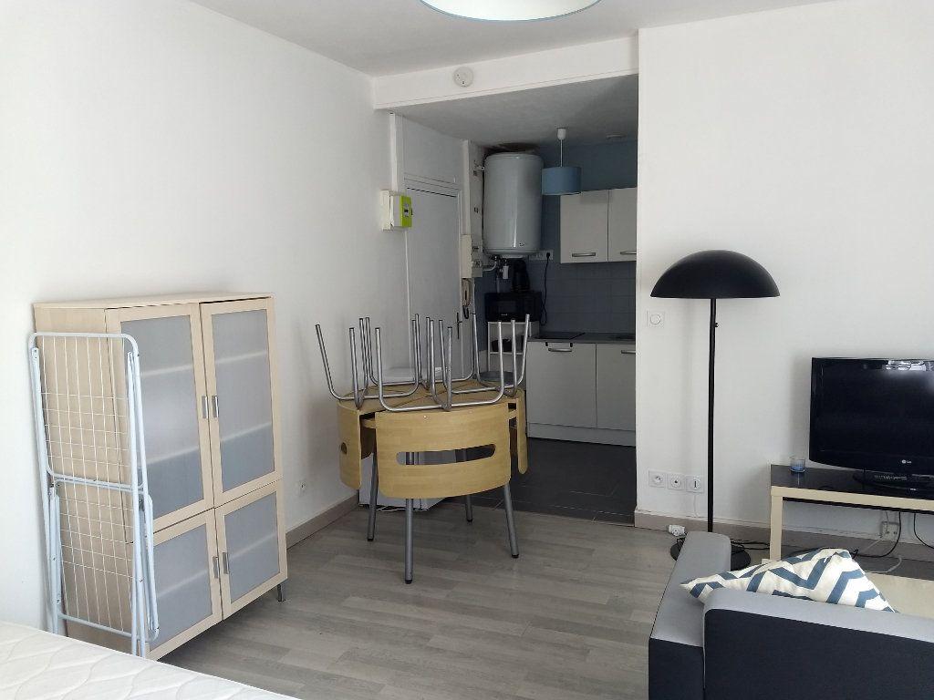 Appartement à louer 1 24.8m2 à Le Havre vignette-4