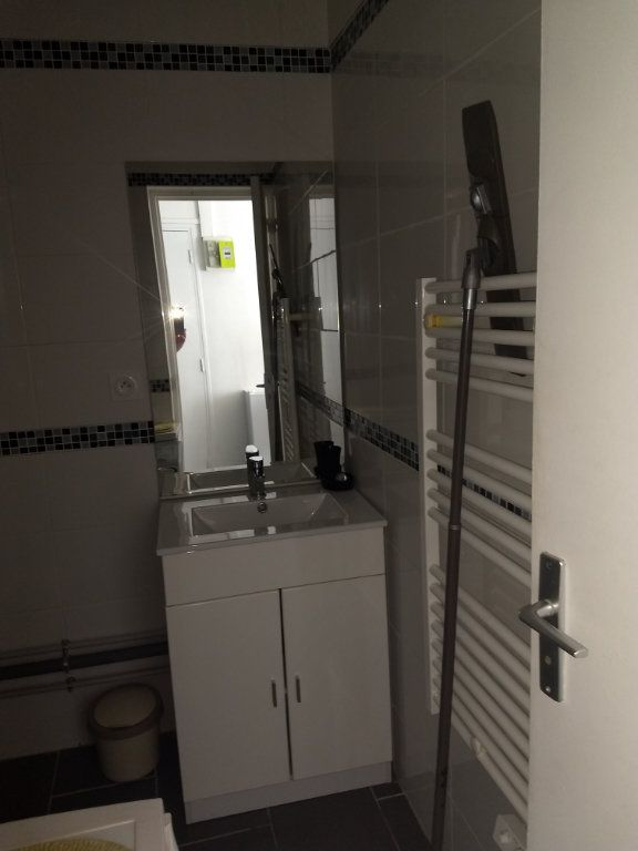 Appartement à louer 1 24.8m2 à Le Havre vignette-6