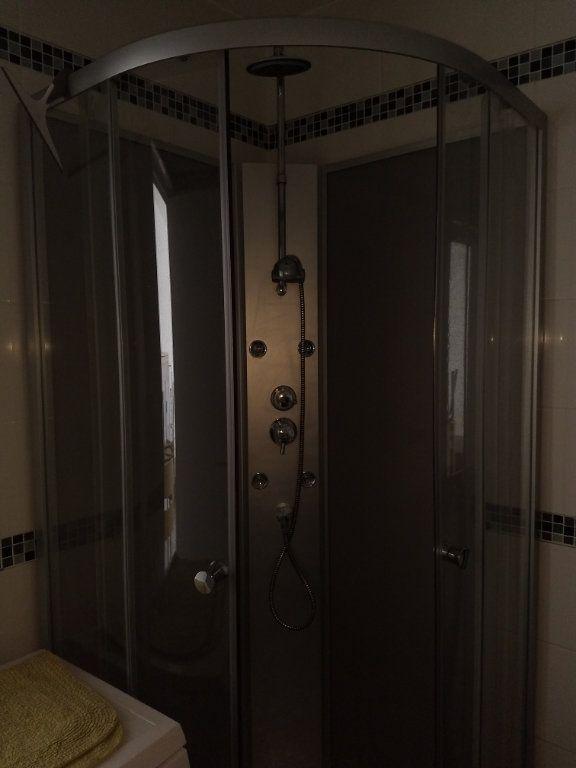 Appartement à louer 1 24.8m2 à Le Havre vignette-8