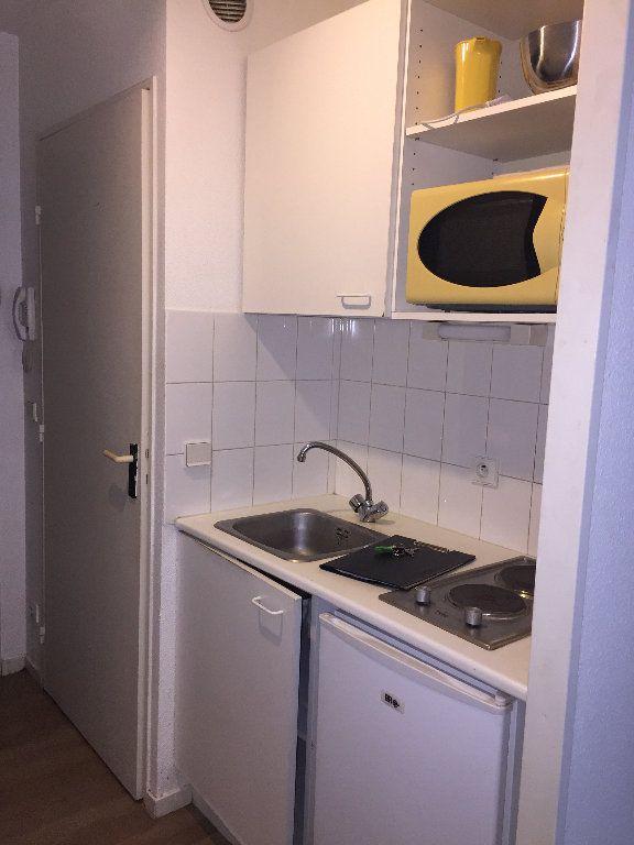 Appartement à louer 1 17.1m2 à Le Havre vignette-3