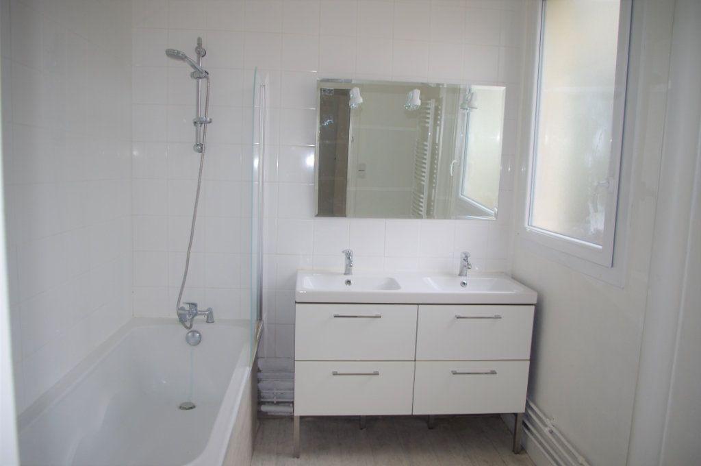 Appartement à vendre 4 115.54m2 à Le Havre vignette-4
