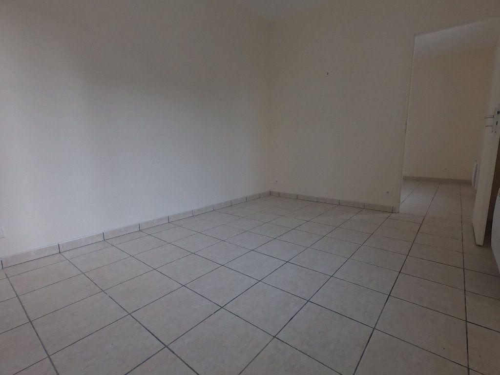 Maison à louer 3 52.5m2 à Le Havre vignette-4