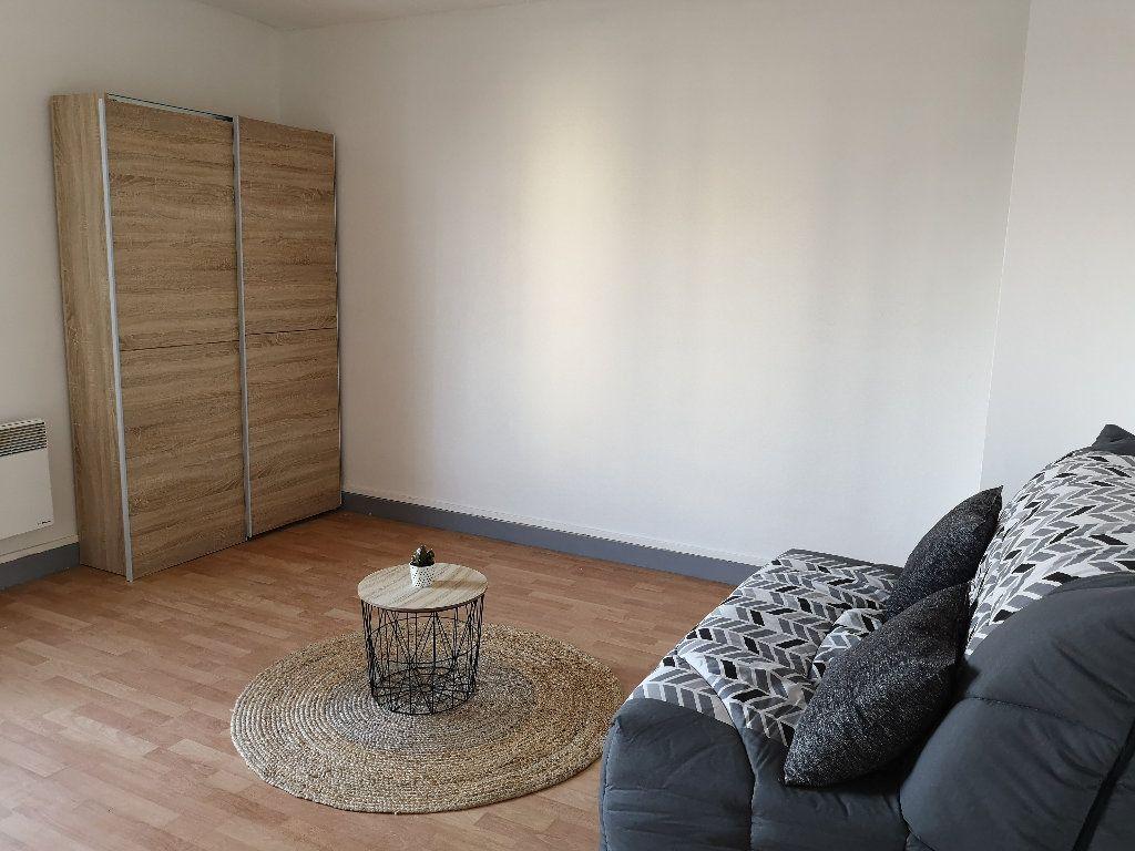 Appartement à louer 1 24.44m2 à Le Havre vignette-1