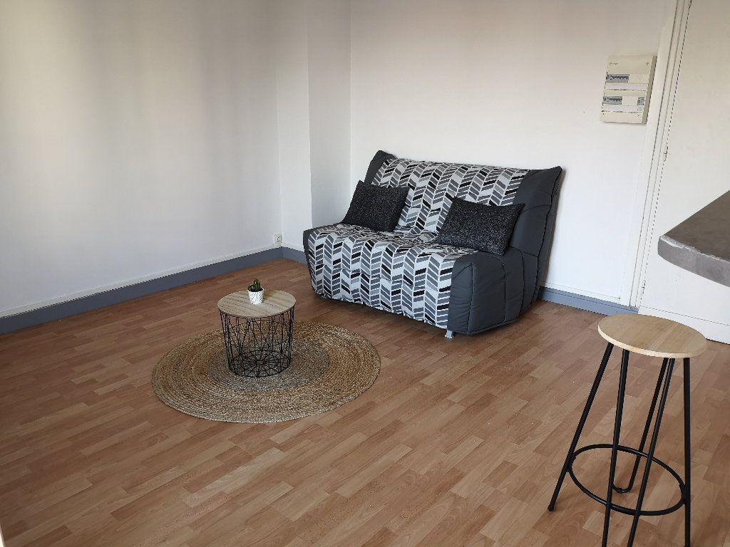 Appartement à louer 1 24.44m2 à Le Havre vignette-2