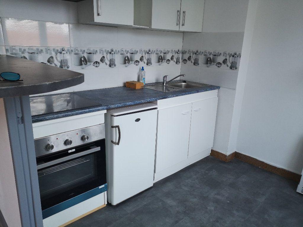 Appartement à louer 1 24.44m2 à Le Havre vignette-3