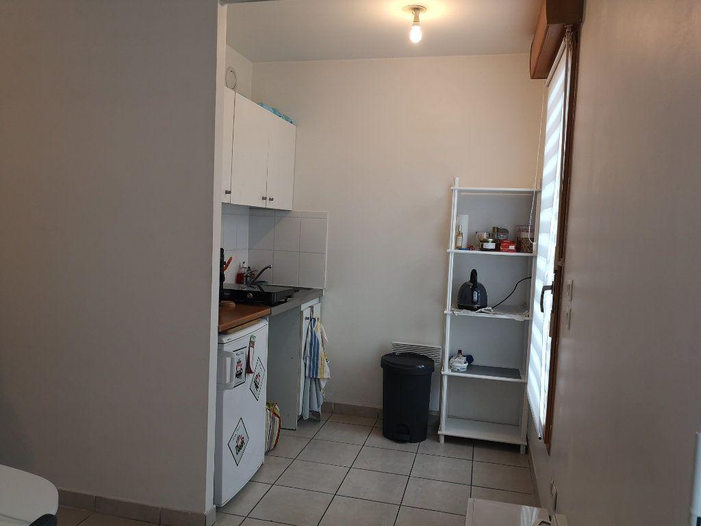 Appartement à louer 1 33m2 à Le Havre vignette-1