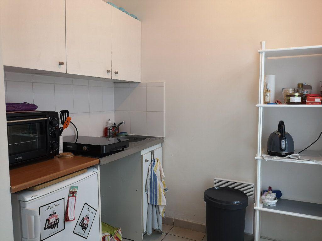 Appartement à louer 1 33m2 à Le Havre vignette-3