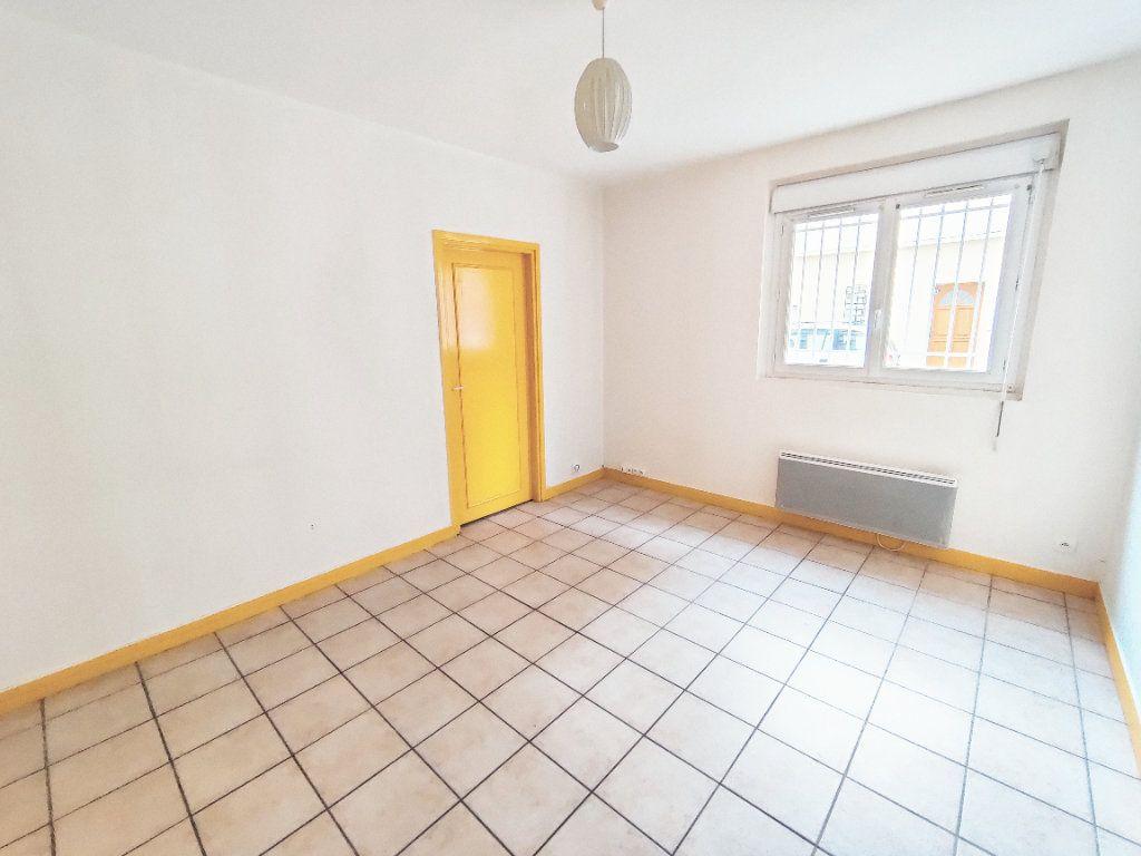 Appartement à louer 2 31.94m2 à Le Havre vignette-1