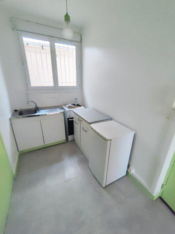Appartement à louer 2 31.94m2 à Le Havre vignette-2