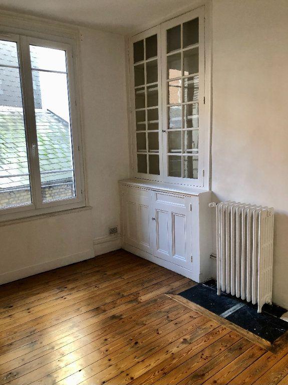 Appartement à louer 4 104.9m2 à Le Havre vignette-2