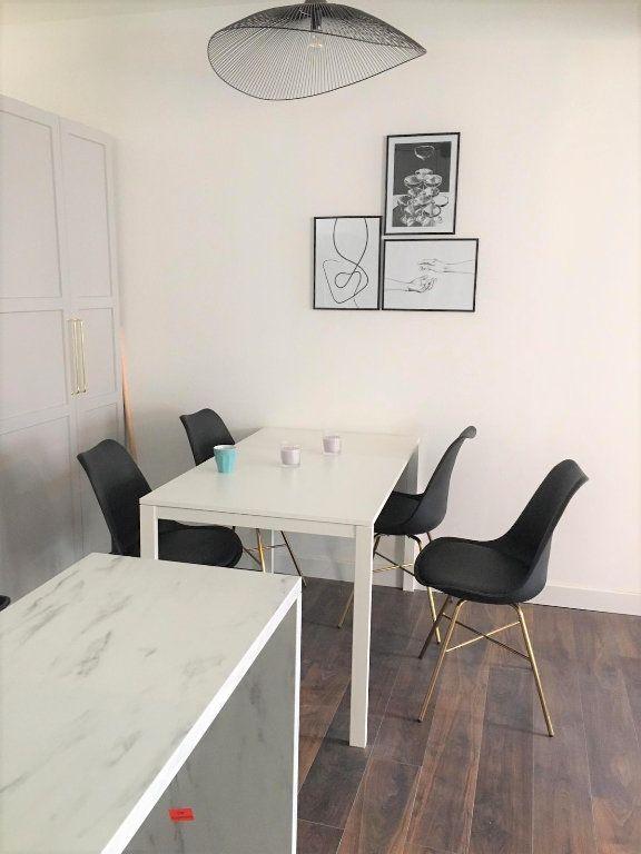 Appartement à louer 5 78.42m2 à Le Havre vignette-3