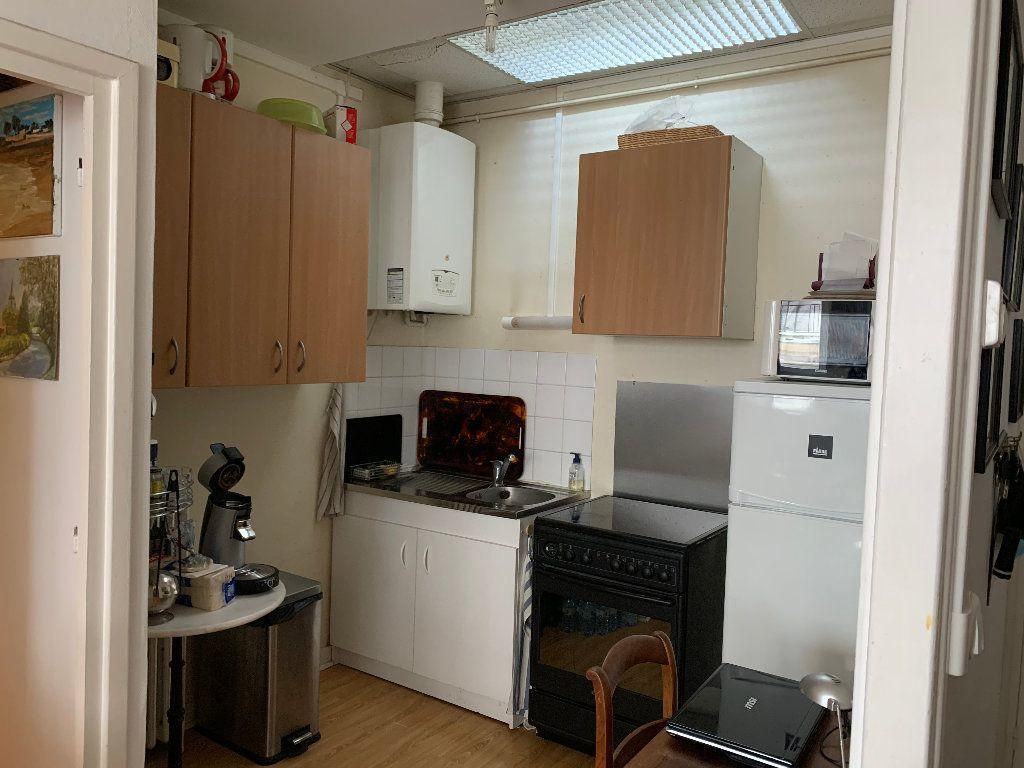 Appartement à louer 2 51.21m2 à Le Havre vignette-3
