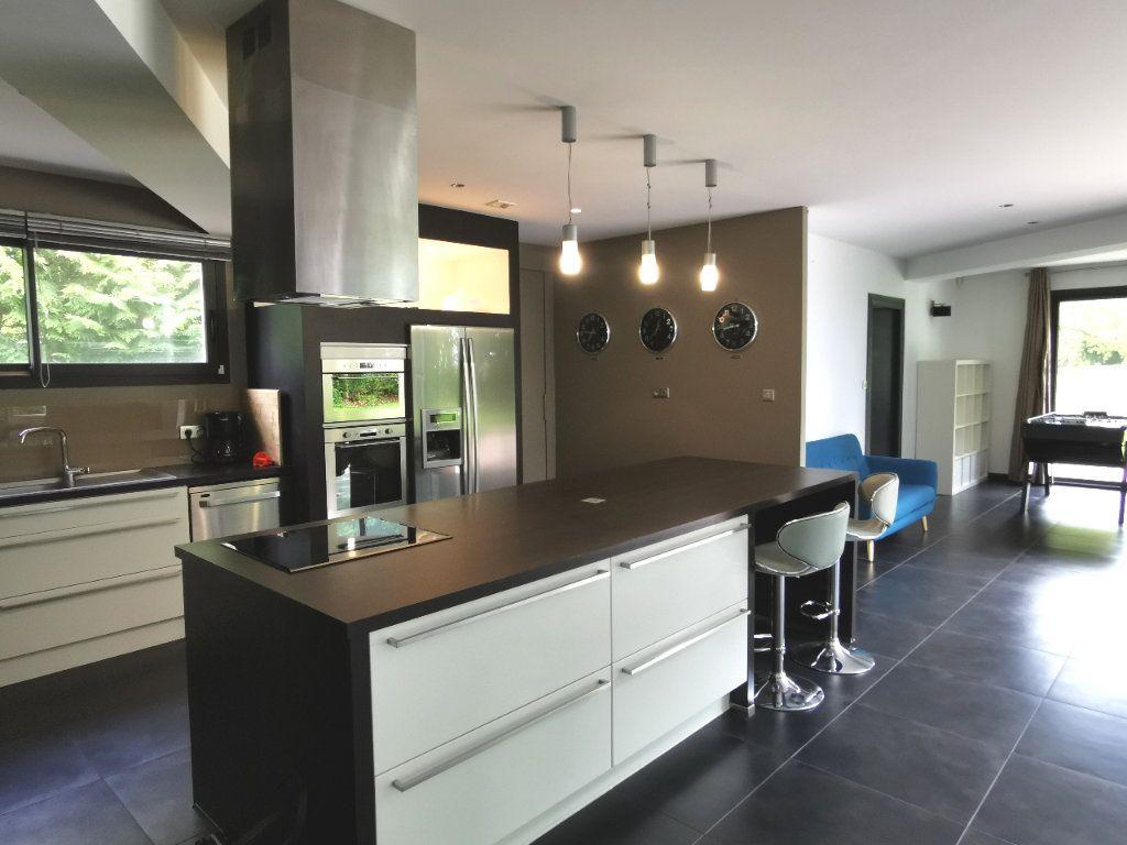 Maison à vendre 7 284m2 à Saint-Martin-du-Manoir vignette-3
