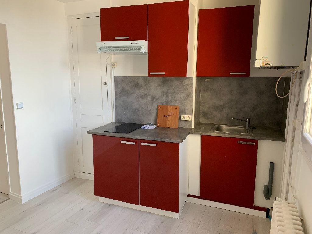Appartement à louer 1 29m2 à Le Havre vignette-1