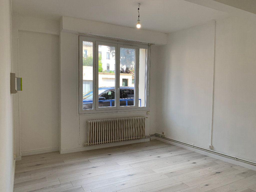 Appartement à louer 1 29m2 à Le Havre vignette-2