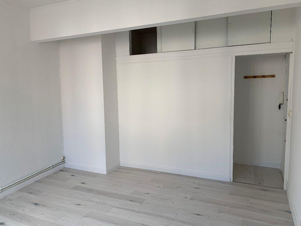 Appartement à louer 1 29m2 à Le Havre vignette-4