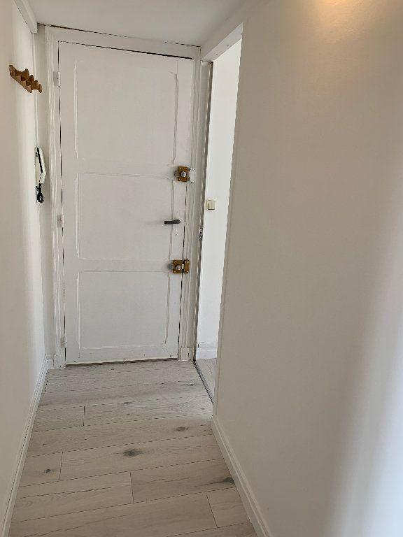 Appartement à louer 1 29m2 à Le Havre vignette-6