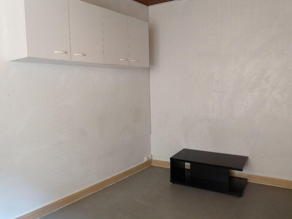 Appartement à louer 1 27.28m2 à Le Havre vignette-2