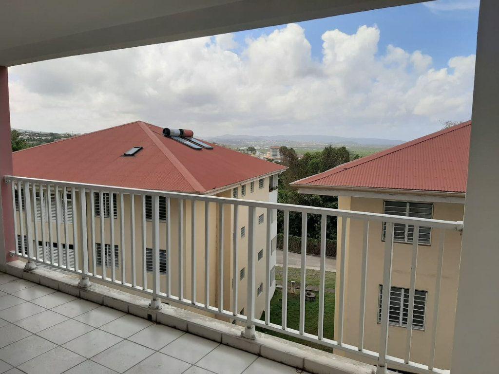 Appartement à louer 3 86.35m2 à Le Lamentin vignette-4