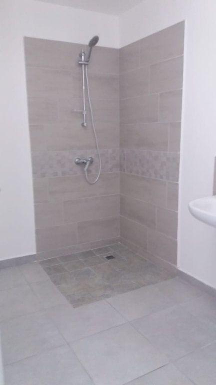 Appartement à louer 3 66.72m2 à Fort-de-France vignette-4