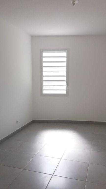 Appartement à louer 3 63.46m2 à Fort-de-France vignette-5