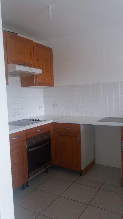 Appartement à louer 3 65.86m2 à Fort-de-France vignette-3