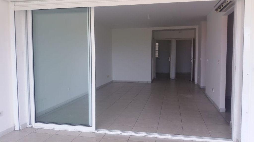 Appartement à louer 3 65.86m2 à Fort-de-France vignette-8