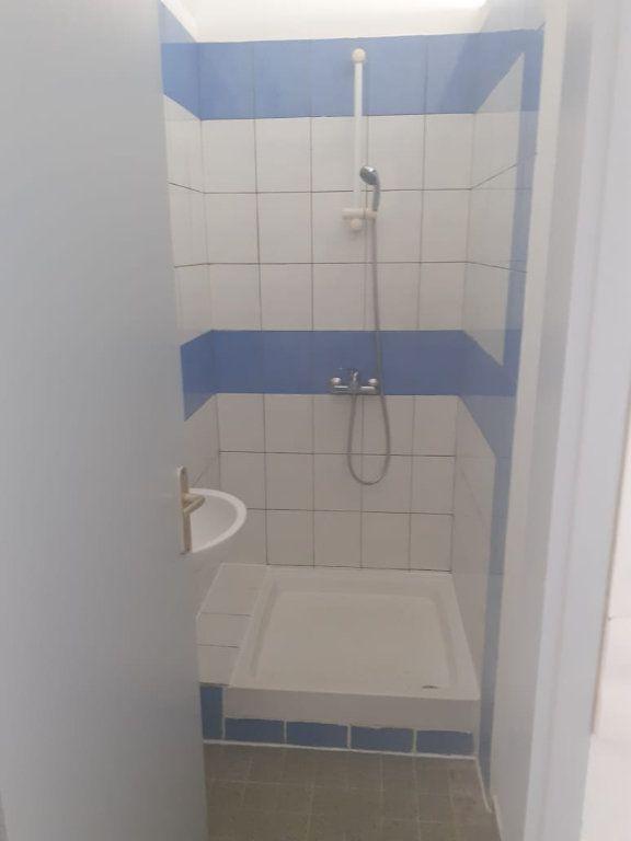 Appartement à louer 5 120.6m2 à Saint-Joseph vignette-4