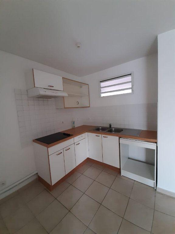 Appartement à louer 2 42.64m2 à Le Lamentin vignette-4