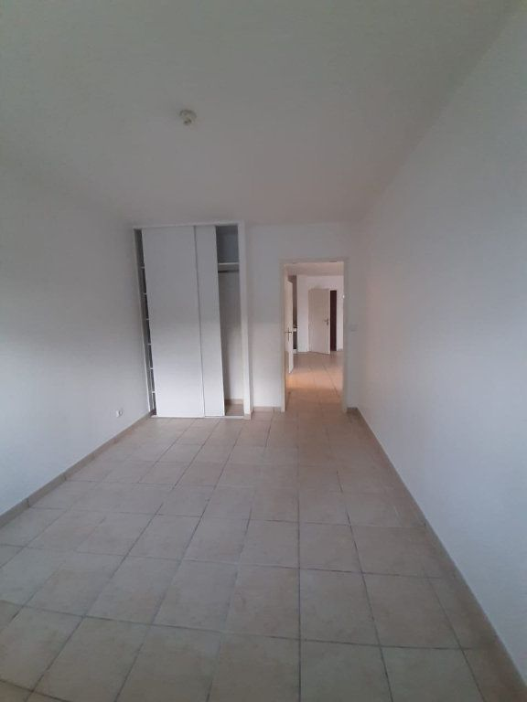 Appartement à louer 2 42.64m2 à Le Lamentin vignette-6