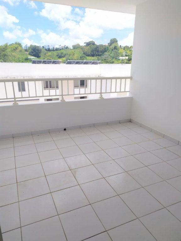 Appartement à louer 4 74.19m2 à Le Lamentin vignette-10