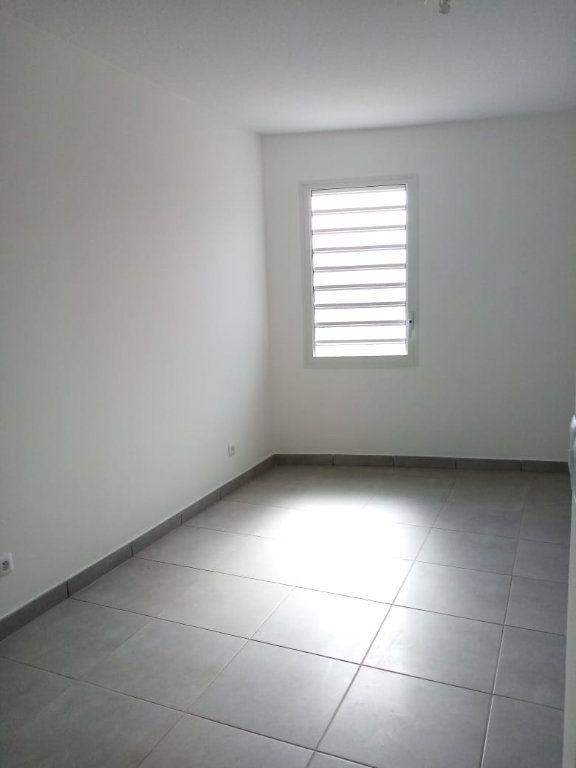Appartement à louer 3 63.74m2 à Fort-de-France vignette-4