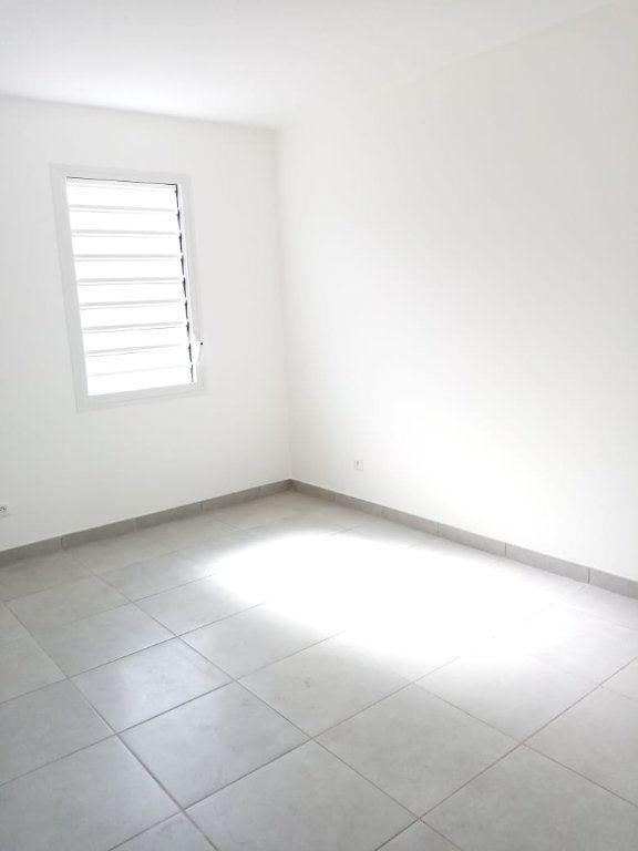 Appartement à louer 3 63.74m2 à Fort-de-France vignette-3
