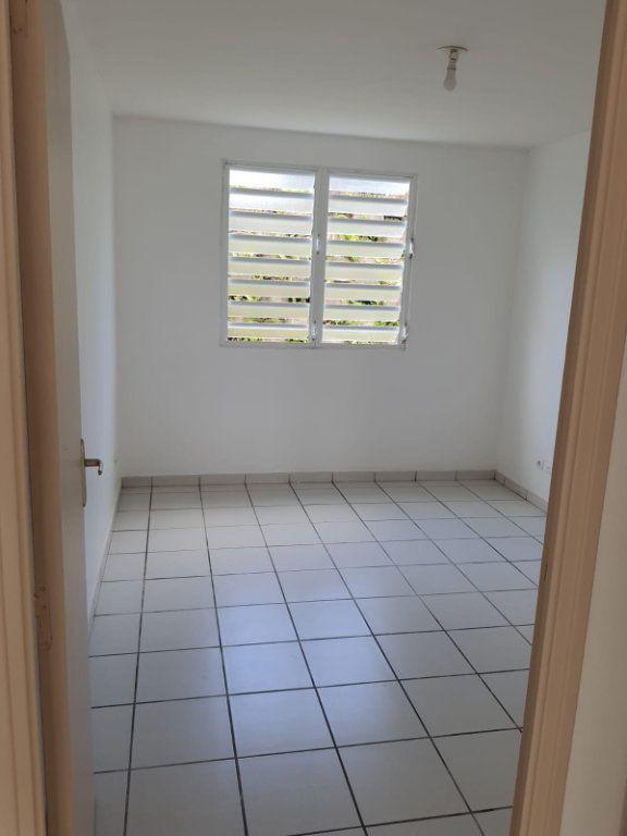 Appartement à louer 3 73.84m2 à Le Lamentin vignette-7